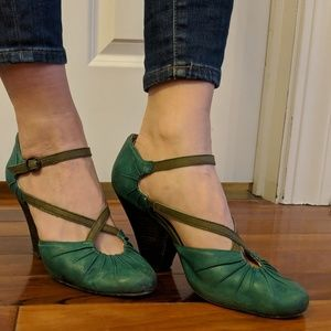 "Seychelles 3.5"" teal and green leather heels"
